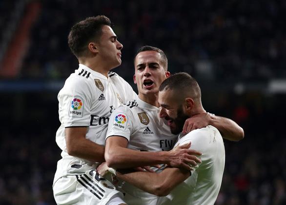 Thắng may Valencia, Real Madrid vươn lên thứ 5 - Ảnh 2.