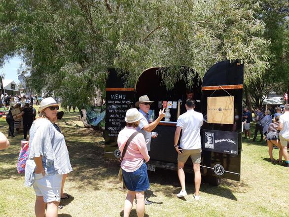 Đến Tây Úc thưởng thức đặc sản, ngắm vườn nho bạt ngàn - Ảnh 6.