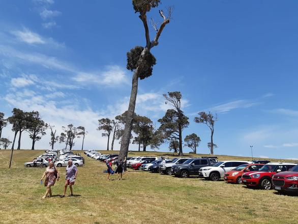 Đến Tây Úc thưởng thức đặc sản, ngắm vườn nho bạt ngàn - Ảnh 1.