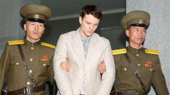 Gia đình sinh viên Mỹ kiện đòi Triều Tiên bồi thường hơn 1 tỉ USD - Ảnh 2.