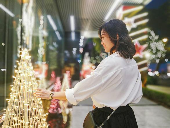 Bí quyết chụp hình đón Giáng Sinh lung linh chỉ với một chiếc smartphone - Ảnh 2.