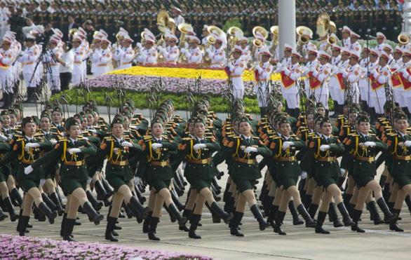 Thủ tướng Nguyễn Xuân Phúc: Tiếp tục xây dựng quân đội hùng mạnh - Ảnh 2.