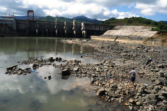 Thi thể người đàn ông bị thủy điện Sông Tranh xả nước cuốn trôi hơn 5km - Ảnh 2.