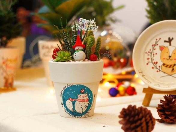 Bạn trẻ biến tấu cây xanh thân thiện môi trường mùa Giáng sinh - Ảnh 3.