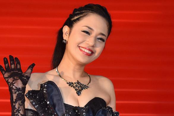 Bị chỉ trích vì sắp làm mẹ, diễn viên phim sex Nhật đáp trả - Ảnh 1.