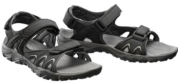 Đi du lịch, mang giày dép nào thoải mái nhất? - Ảnh 3.