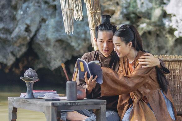 Trấn Thành khoe bạo trong trailer Trạng Quỳnh - Ảnh 1.