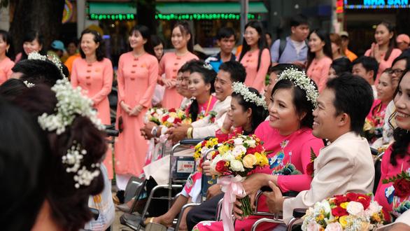 50 cặp đôi khuyết tật hạnh phúc trong lễ cưới tập thể  - Ảnh 6.