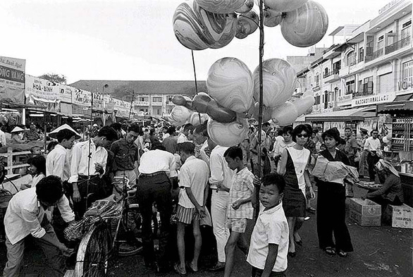Tết người Bắc ở Sài Gòn xưa: Hóa ra chơi đào rừng từ mai rừng mà ra? - Ảnh 2.