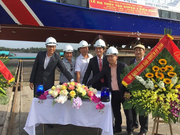 Tàu khách 1,2 triệu USD bắt đầu phục vụ khách ra đảo Lý Sơn - Ảnh 4.