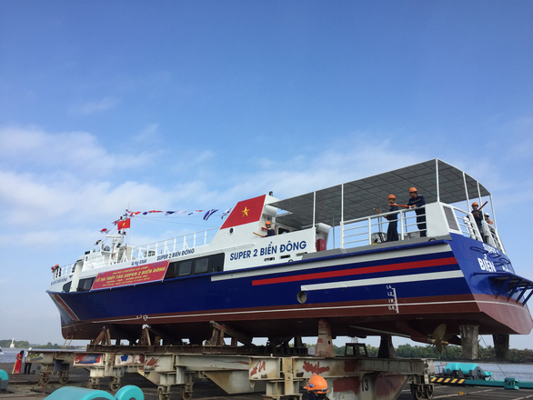 Tàu khách 1,2 triệu USD bắt đầu phục vụ khách ra đảo Lý Sơn - Ảnh 3.