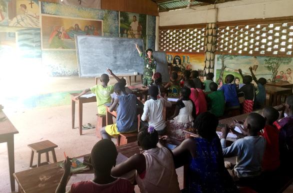 Lính Việt Nam ở Châu Phi - Kỳ 2: Lớp dạy toán của lính Việt ở Trung Phi - Ảnh 3.