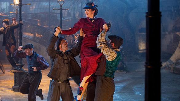 Giáng sinh trong Mary Poppins returns, Bumblebee và Không gia đình - Ảnh 5.