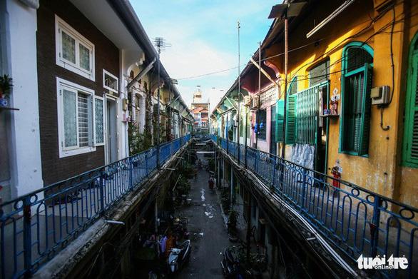 Khám phá các khu phố quốc tế trong lòng TP.HCM - Ảnh 1.