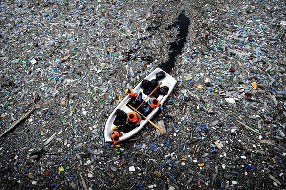 Mỗi người dân đô thị thải 1,6 kg rác/ngày - Ảnh 1.