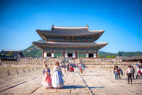 Những địa điểm check-in hot ở Nhật Bản và Hàn Quốc - Ảnh 1.