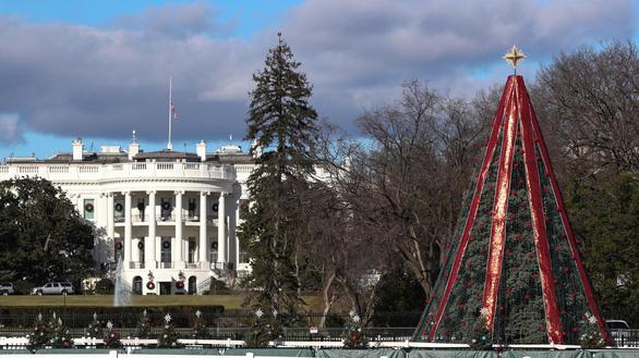 Giáng sinh ở Mỹ bị ảnh hưởng ra sao khi chính phủ đóng cửa? - Ảnh 1.
