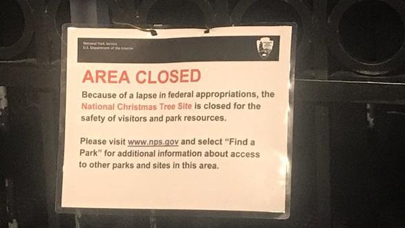 Giáng sinh ở Mỹ bị ảnh hưởng ra sao khi chính phủ đóng cửa? - Ảnh 2.