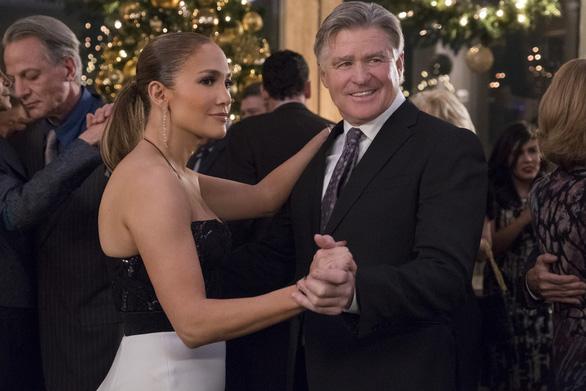 Jennifer Lopez: 50 chưa phải là già trong Second Act - Ảnh 5.