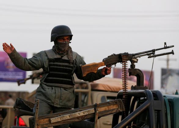 Mỹ mới tuyên bố rút quân, khu cơ quan chính phủ Afghanistan bị tấn công - Ảnh 1.