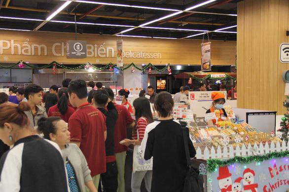 Lotte mart gửi trao khách hàng hàng ngàn món quà - Ảnh 8.