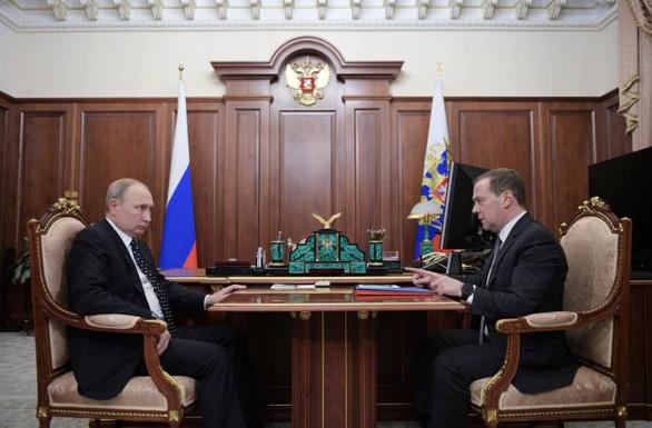 Nga mở rộng trừng phạt kinh tế với Ukraine - Ảnh 1.