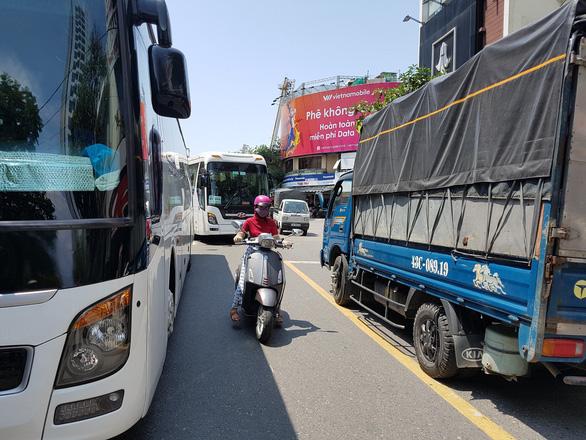 Đà Nẵng yêu cầu xây nhanh các bãi đỗ xe ôtô - Ảnh 1.