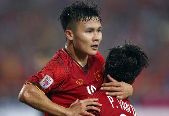 Quang Hải chiếm ưu thế trong cuộc đua danh hiệu VĐV tiêu biểu 2018 - Ảnh 2.