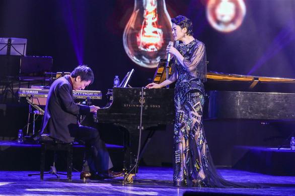 Thanh Lam, Thu Phương, Đức Tuấn cháy hết mình với ký ức Phú Quang - Ảnh 13.