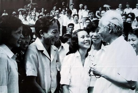 Xem hình ảnh 320 năm Sài Gòn TP.HCM tại phố đi bộ Nguyễn Huệ - Ảnh 4.
