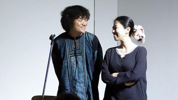 Ngô Hồng Quang ra mắt album Nhìn lại - Ảnh 1.
