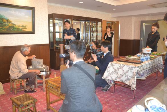 Mì Quảng được giới thiệu trang trọng trên báo Nhật - Ảnh 4.