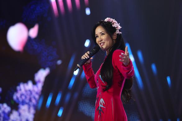 Mỹ Tâm, Hồ Ngọc Hà, Thu Phương lộng lẫy trong Chào 2019 - Ảnh 5.