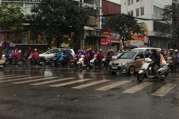 Cảnh báo đợt rét hại gây mưa rất lớn ở các tỉnh Trung bộ - Ảnh 1.