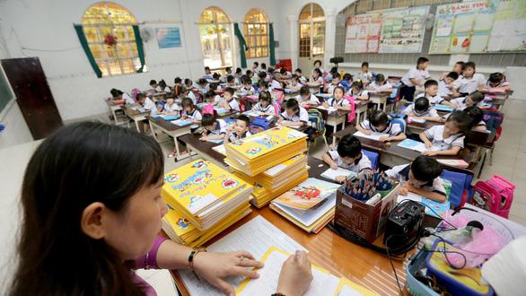 Chương trình giáo dục mới: Lo cho 20% bậc tiểu học vùng khó khăn - Ảnh 1.