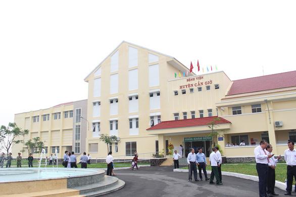 Khánh thành Bệnh viện Cần Giờ với  nhiều  máy móc hiện đại - Ảnh 1.