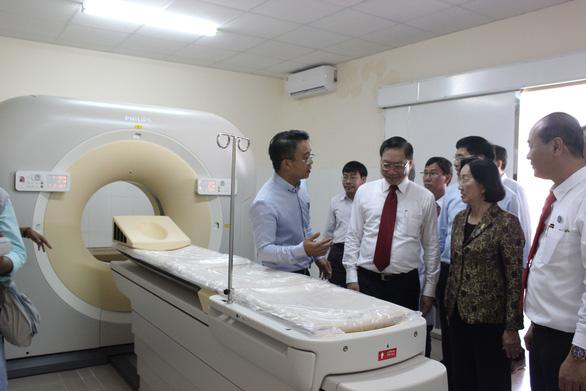 Khánh thành Bệnh viện Cần Giờ với  nhiều  máy móc hiện đại - Ảnh 2.
