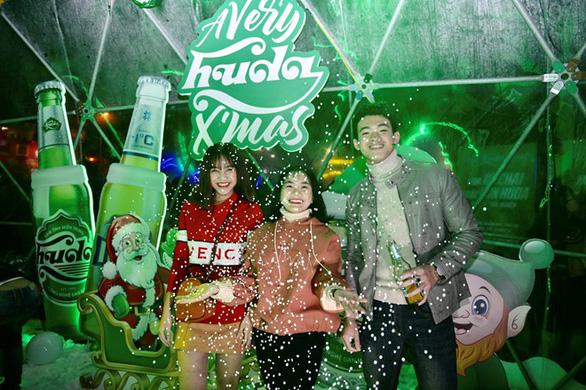 Miền Trung đón mùa lễ hội với đêm Giáng sinh Huda - Ảnh 6.