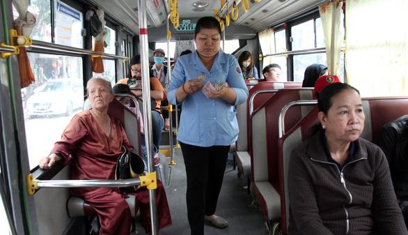 HĐND TP.HCM yêu cầu làm rõ vụ chậm quyết toán 7.400 tỉ trợ giá xe buýt - Ảnh 1.