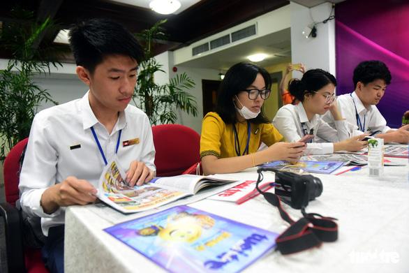 Đại biểu tàu Thanh niên Đông Nam Á - Nhật Bản thăm báo Tuổi Trẻ - Ảnh 3.