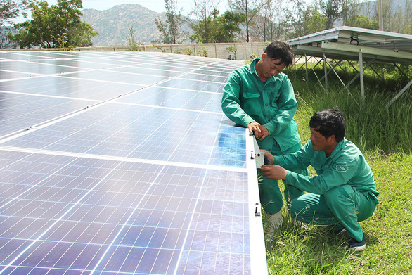 đầu tư điện mặt trời