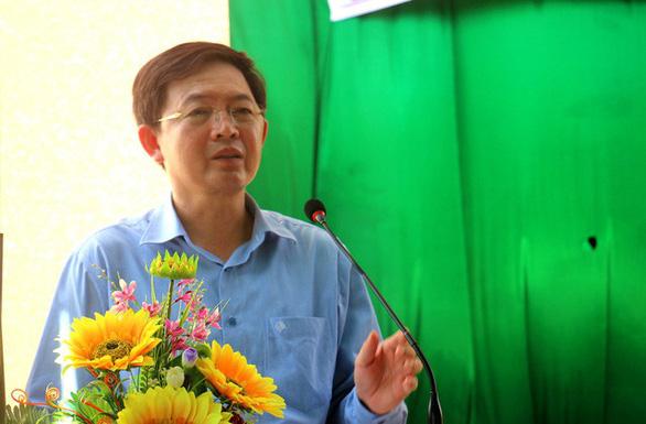 Dân giữ người để phản đối dự án điện mặt trời tại Bình Định - Ảnh 2.