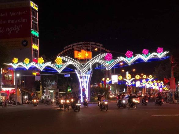Cả nước rực rỡ đêm pháo hoa, Việt Nam chào năm mới 2019! - Ảnh 14.