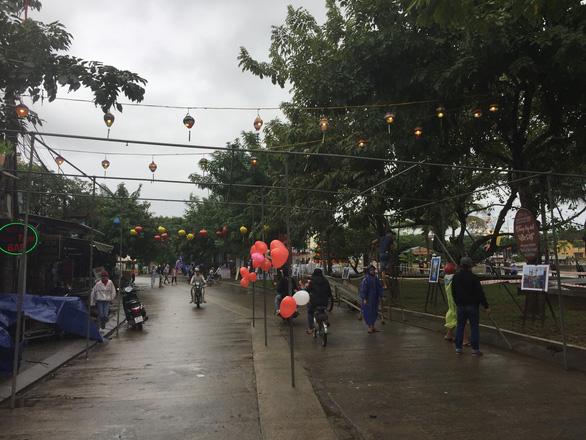 Hai đại tiệc mừng năm mới 2019 tại phố cổ Hội An - Ảnh 3.