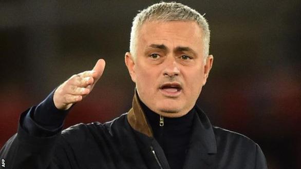 Mourinho đang rất muốn bị Manchester United sa thải - Ảnh 1.