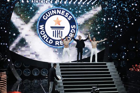 Quốc Cơ, Quốc Nghiệp chính thức được công nhận kỷ lục Guinness mới - Ảnh 1.