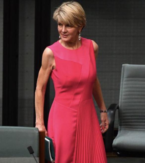 Chính phủ Úc xin lỗi nhà báo nữ lộ da thịt - Ảnh 2.