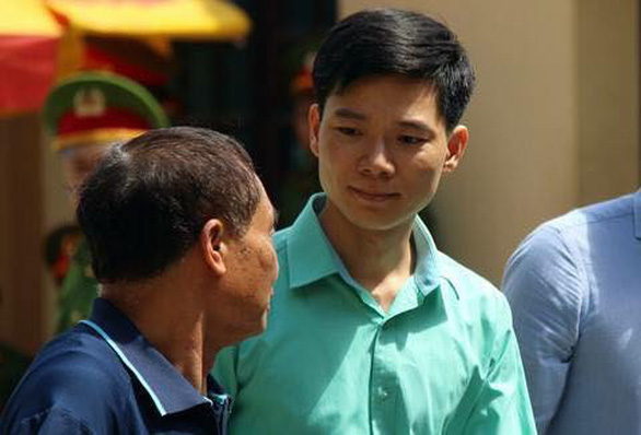 18 gia đình bị hại gửi kiến nghị ủng hộ bác sĩ Hoàng Công Lương - Ảnh 1.