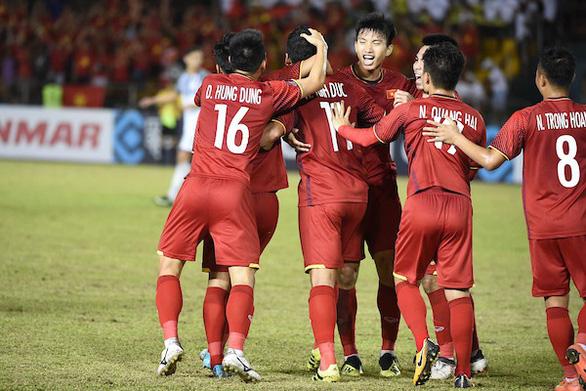 CĐV châu Á ủng hộ Việt Nam trở thành 'Vua ở Đông Nam Á'