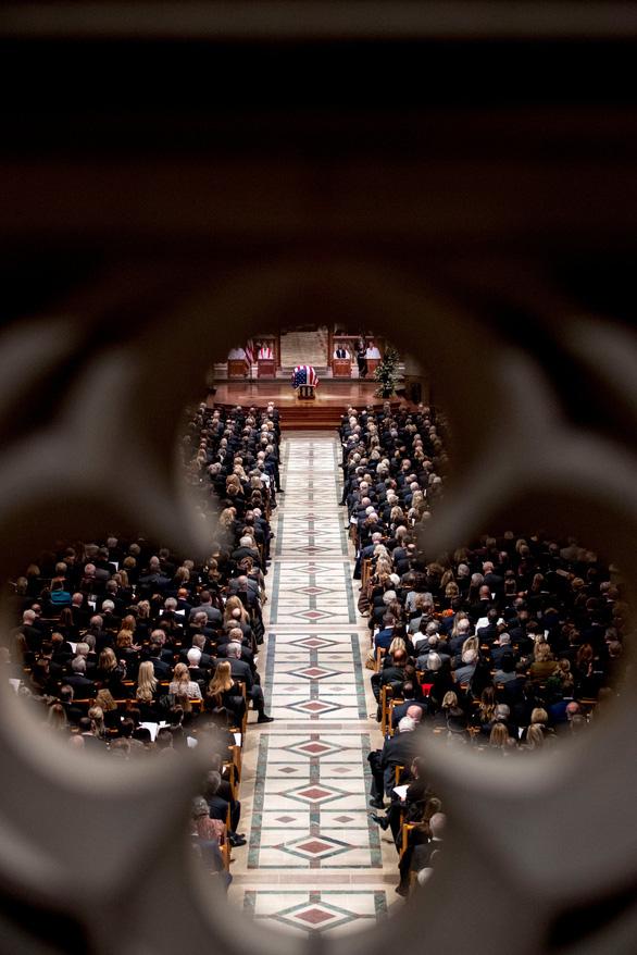 Nhà thờ quốc gia Washington - nơi tổ chức tang lễ nhiều đời tổng thống Mỹ - Ảnh 2.